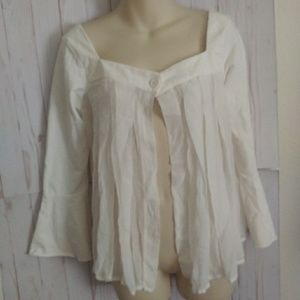 [Bebe]white open front flowy bell sleeve top